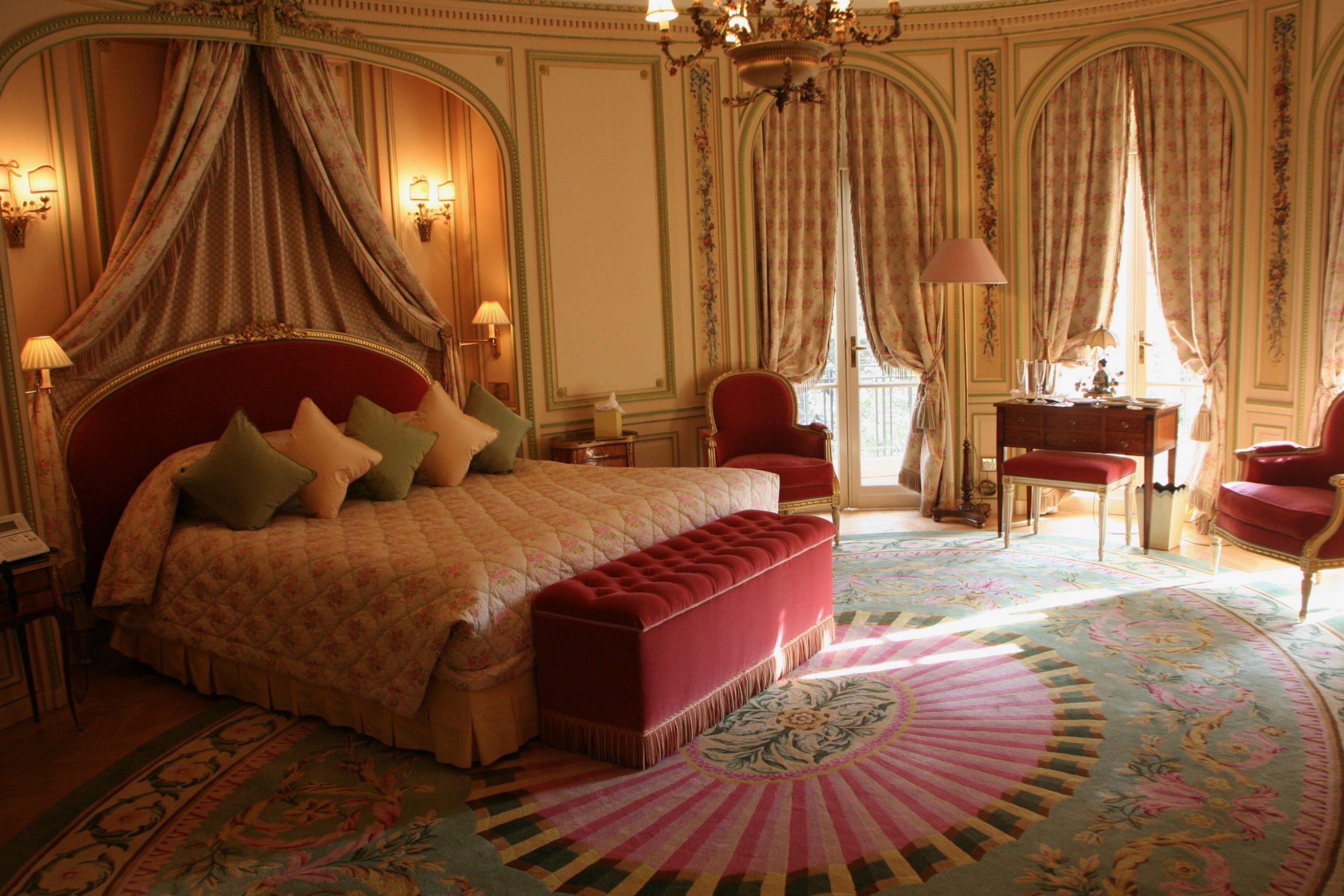 Ritz London suite room