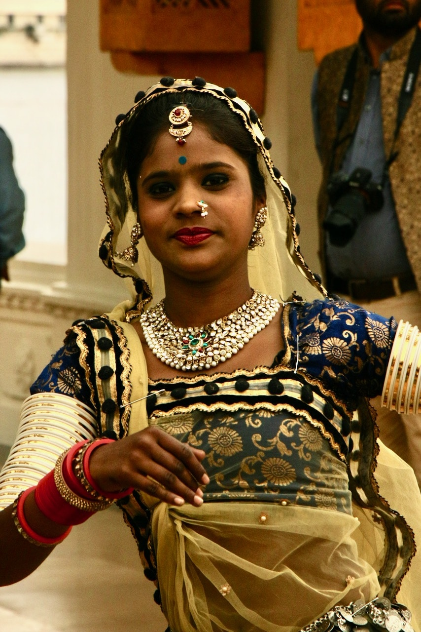 dancer, India © dan ilves