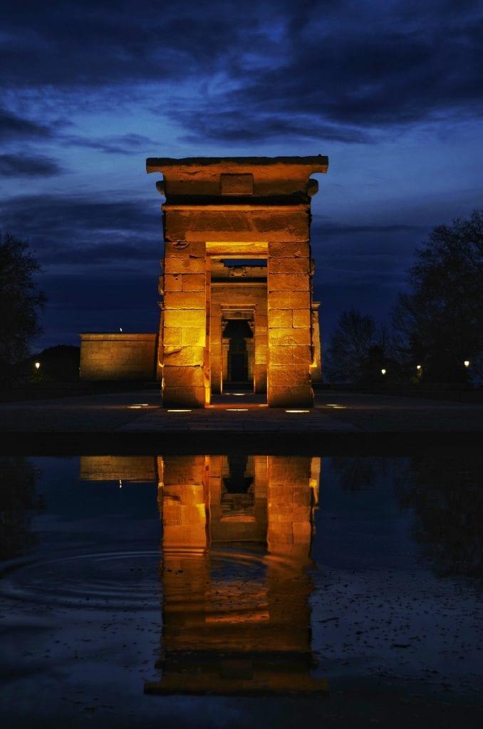 Egypt monument, nik younie on unsplash