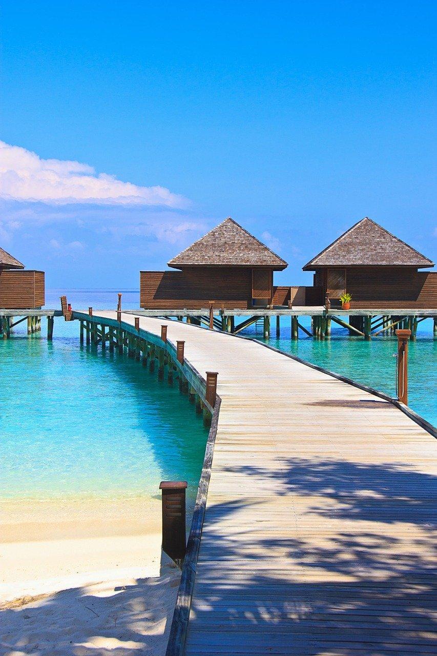 veligandu island maldives bungalows
