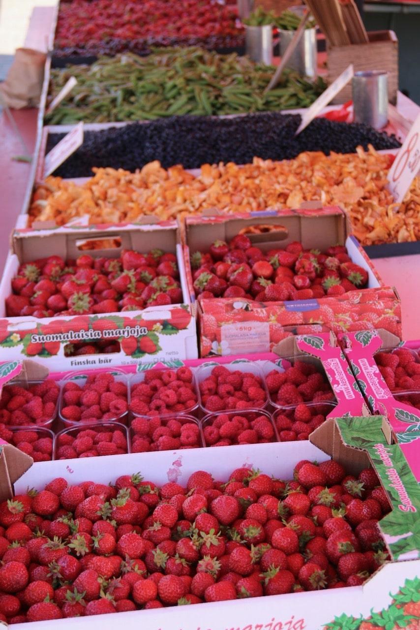 Finnish berries © dan ilves