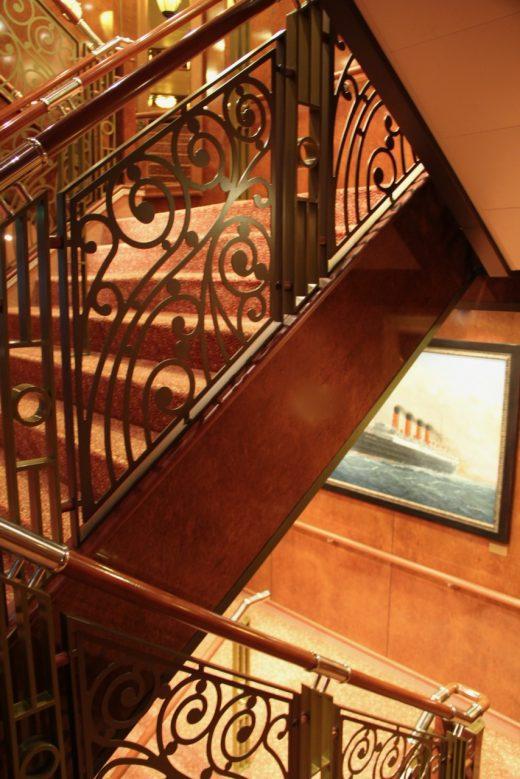 Queen Elizabeth stairwell, Cunard Line